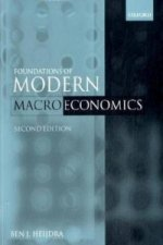 Foundations of Modern Macroeconomics Text and Manual Set