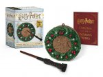 Harry Potter: Hogwarts Christmas Wreath and Wand Set